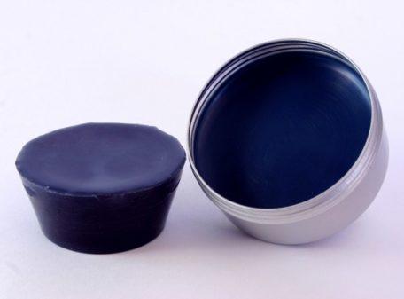 Pain de couleur Bleu phtalo pour la peinture à l'encaustique. Composition : cire d'abeille, résine damar, pigment.